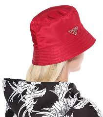 Bucket Hats Are Back and You're Totally Going to Want One (с ...