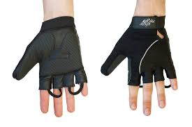 rehadesign strap n roll wheelchair gloves the gloves feature our unique patented design it was designed for people with limited hand mobility