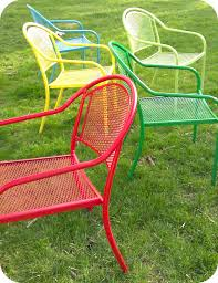 29 cool spray paint patio chairs