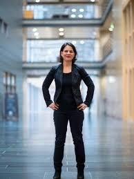 Baerbock 2013 óta a német bundestag tagja. Grune Annalena Baerbock Will Neues Wirtschaftsprofil Geben