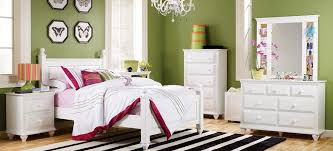 White Bedroom Furniture   Lang Furniture   MADISON Collection