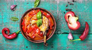 Lecso Gericht Der Ungarischen Küche Mit Pfeffer Und Fleisch.Ungarische Küche  Standard Bild