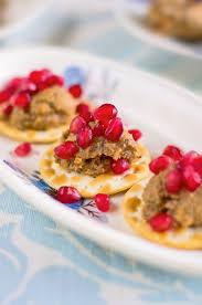 Retsept : toitev värske salat vutimuna ja kodujuustuga nomi