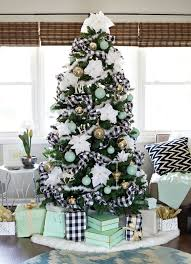 2017-2018 christmas tree trends
