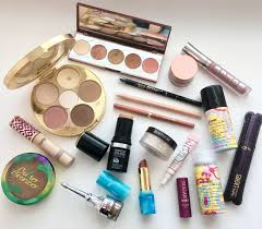 i m super excited to write this post because it indicates vacation season and warm weather i wanted to share my essential travel makeup s with you