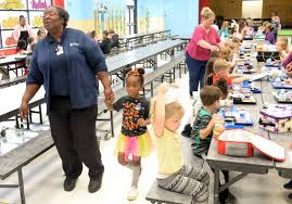 Students love HIlltop Elementary cafeteria worker   Macon Telegraph