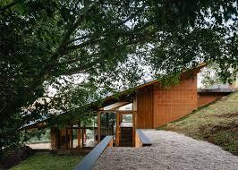 Half-slope House steps into a hillside in rural Brazil