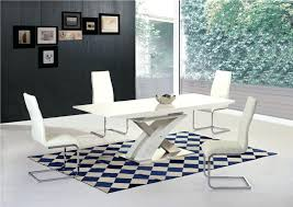 unusual white black gloss table and 6 chairs