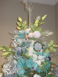 christmas office themes. Blue And Green Decorated Christmas Tree \u2013 Theme For Office | Kim\u0027s Fabulously Frugal Decorations Themes