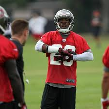 Buccaneers Depth Chart 2013 Tampa Bay Buccaneers 2013 Free Agents Who Stays And Who