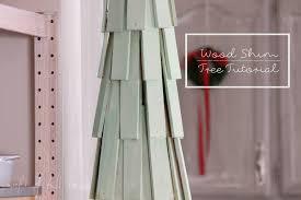 E9547a4ebcf90dd81b965d60523504f0jpg 736×981  Spindle Crafts Diy Christmas Wood Crafts