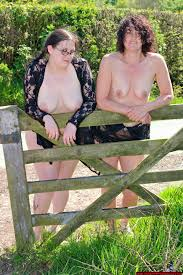 Nude Mother Daughter Home Porn Galleries