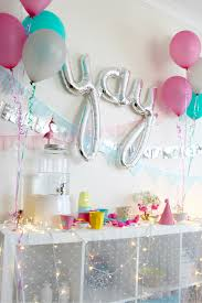Attractive Party Dessert Table Decoration Idea With Cupackes And