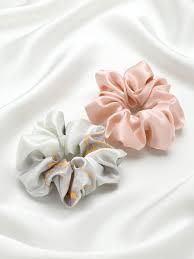 Набор из 2 широких шелковых резинок для волос разного цвета ...