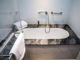 8 steps for the perfect diy bathtub refinish a1 reglazing