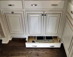 Installing Knobs On Kitchen Cabinets Kitchen Room Kitchen Cabinet New Installing Knobs On Kitchen Cabinets