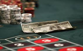 Tips Bermain Poker Online Indonesia Agar Terpenuhi Kebutuhan Hidup |  iKiteboarding
