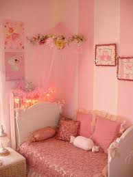 Pink Wallpaper For Bedroom Toddler Bedroom Decor With Striped Pink Wallpaper And Lace Bedding