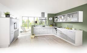 Moderne Lifestyle Küche mit hochwertiger Ausstattung und Fronten