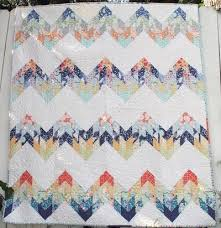 Misty Mountain Lodge: 12 Cabin-Worthy Quilts - Seams And Scissors & Mountain Quilt Pattern Adamdwight.com