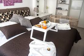 american traditions french tile bedspread lovely arka zagreb apartment croatia booking