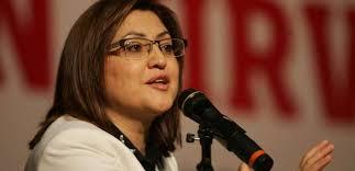 """Aile ve Sosyal Politikalar Bakanı Fatma Şahin, """"Sayın Başbakanımız 'üç çocuk' dediği zaman, bu bir dilek ve temennidir. Bir ülkenin nüfus politikaları ... - bakan_sahinistikrari_bozmaya_odaklanmislar13707880320_h1036687"""