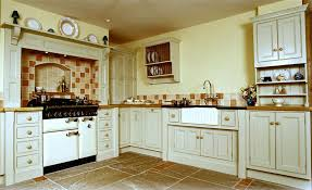 How to Create a Country Kitchen with Solid Oak Kitchen Cabinets