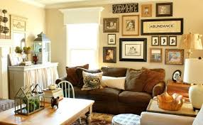 decorative wall decor ideas for comfortable family room