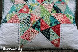 Pillow Talk Swap Pillow Finished – Coriander Quilts & For the quilting ... Adamdwight.com