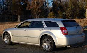 2006 DODGE MAGNUM R/T REVIEW 2006 DODGE MAGNUM R/T ROAD TEST ...