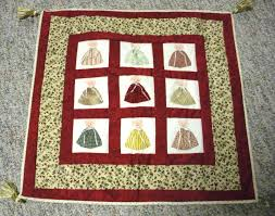 A Crafter for All Seasons: Quilts & Above is one of the projects we made in Eileen's quilt class. It was so  much fun! Adamdwight.com