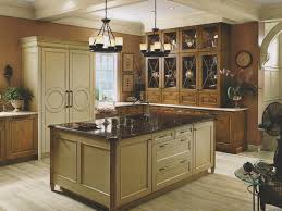 Kitchen:Traditional Style Kitchen Design With Wooden Kitchen Cabinetry And  Large Kitchen Island Ideas Best
