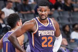 Phoenix Suns center Deandre Ayton ...