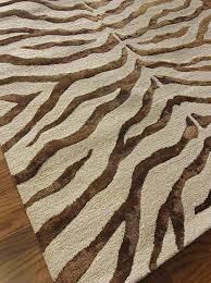 amazoncom nuloom safari contemporary zebra print with faux silk highlights wool area rug 2u0027 3u0027u0027 x 8u0027 brown kitchen u0026 dining zebra print rug o32 zebra