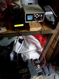 Сравнение Зарядных устройств ЗУС от Сороки Кулон Балсат  АКБ №3 после зарядки optimate 6 поставил на контрольный разряд Кулоном 912 током 0 8 А до напряжения 12 В После разряда и установления емкости АКБ №3