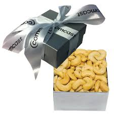 the clic cashew holiday gift box nuts