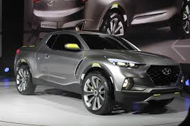 2018 hyundai truck. exellent truck we will see the premiere of new 2018 hyundai santa cruz the company  has made concept it is a car from hyundai and it seems that they have  inside hyundai truck