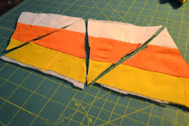 Candy corn quilted pennants - NewlyWoodwards & Candy Corn Pennants Instructions1 Adamdwight.com
