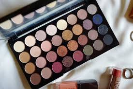 colors shades this flawless palette is basically a day and night look for me the fact that it is pact is great for me to bring during my travels