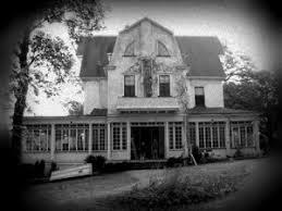 la plus connue des maisons hantées de tous les temps se situe au 112 ocean avenue à amityville les faits qui s y déroulè donnè lieu à de nombreux