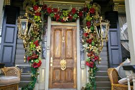 decoration: Glamorous Traditional Entrance Applying Wooden Door And Lantern  Lamps Plus Completed With Front Porch