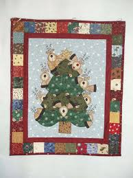 2012 Christmas Quilt Show. - Sunburnt Quilts & My quilt definitely belongs in the Christmas ... Adamdwight.com