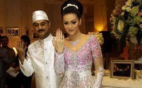 Foto Christy Jusung dan Jay Alatas saat pernikahan