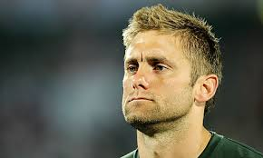 The West Ham United co-owner David Sullivan believes Robert Green has a long-term future at the club and is confident the goalkeeper has the strength of ... - Robert-Green-has-two-year-006