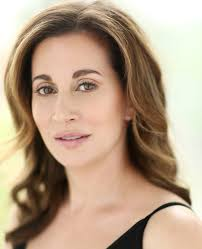Lisa Summers - IMDb