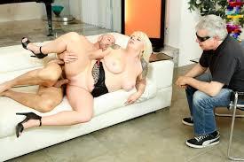 FREE mature blonde gonzo high heels big naturals big tits saggy.