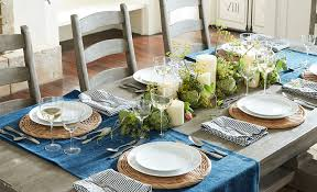 decorate a table with a runner