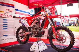 2018 honda 250r. wonderful 2018 the team honda hrc crf250r was first raced by cervelin at the 2017 mxgp of  usa according to team delays with production parts impacted early test  in 2018 honda 250r
