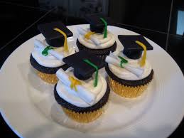 8 Graduation Cakes And Cupcake Ideas Photo High School Graduation