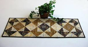 beautiful quilted table runners pattern